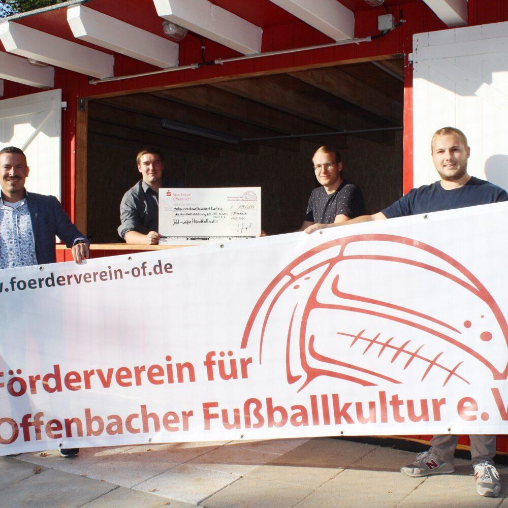 """Spendenscheck """"Rot-weiße Handballhütte"""""""